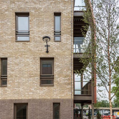 high quality development built in Bronsgroen & Smoked Cromo brick